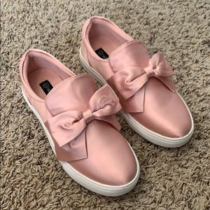 Silk Pink Bow Slip On Sneakers Size 5.5